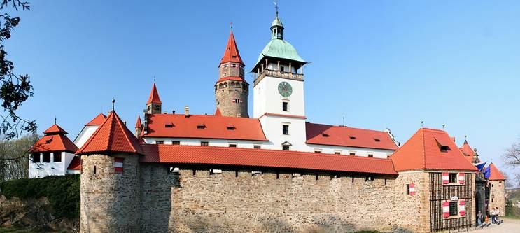 hrad_bouzov